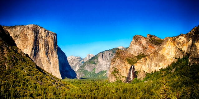 Panorama of Yosemite Valley taken from Tunnel View. Taken by Christie Chaney.